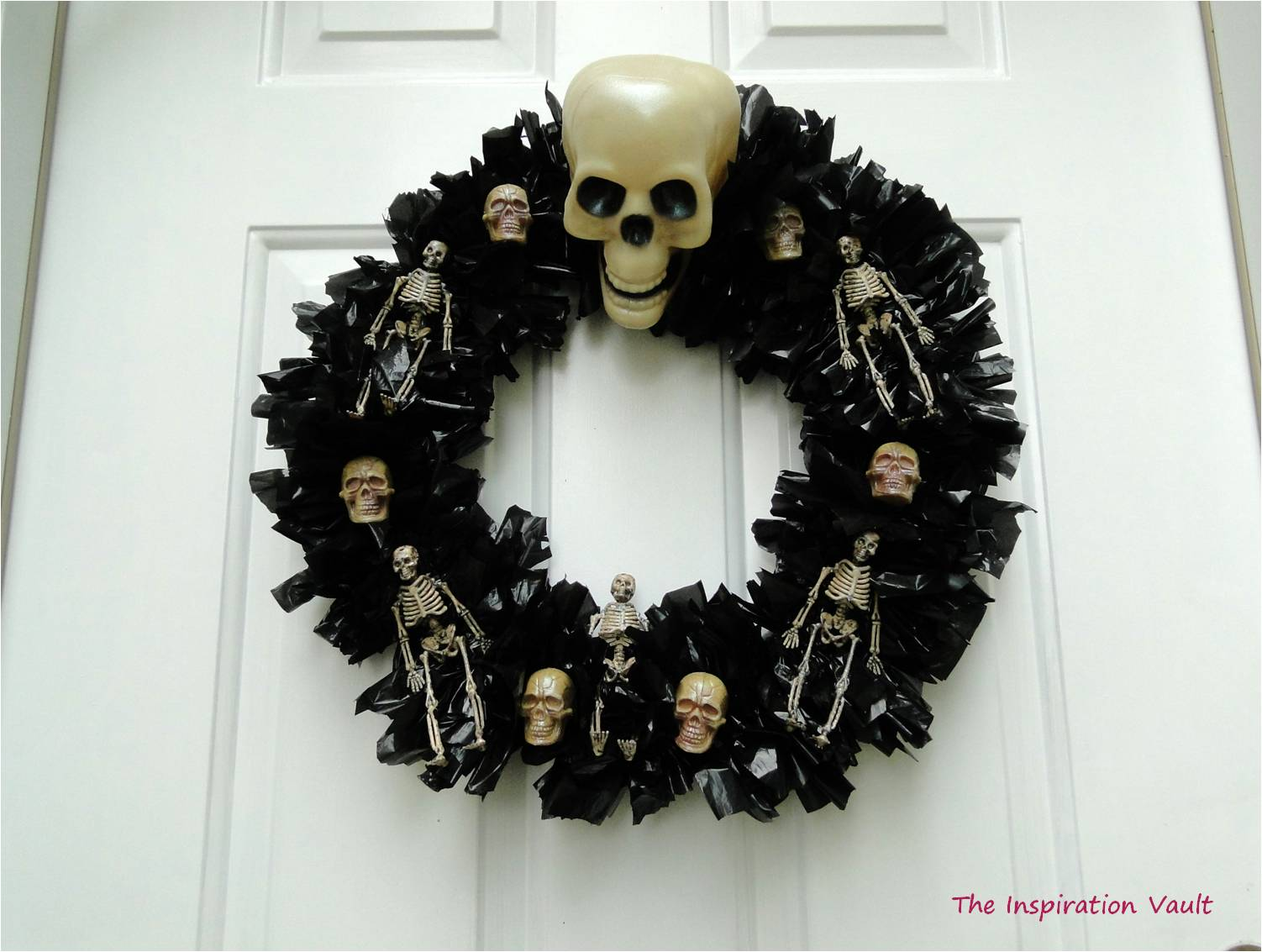 Spooky Skeleton Wreath Finished