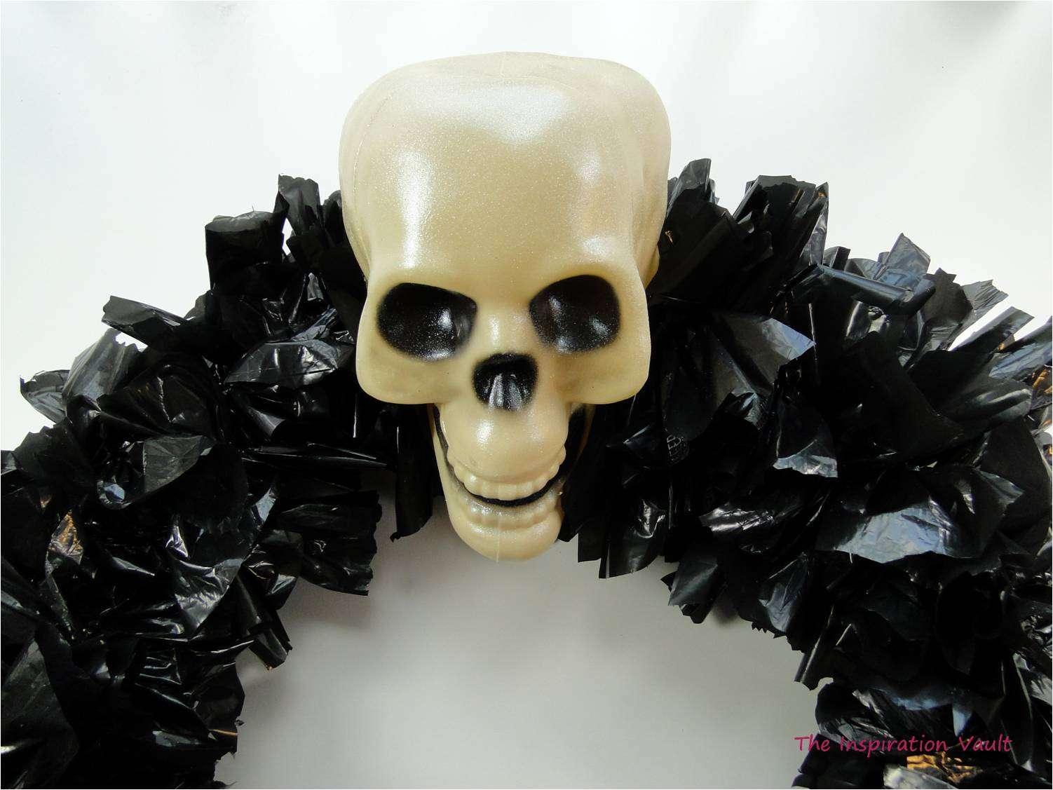 Spooky Skeleton Wreath Step 12b