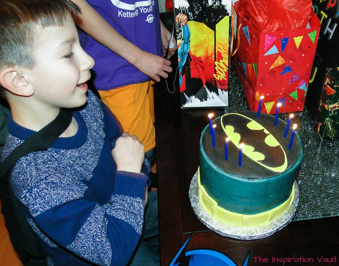 Batman Party Cake 2