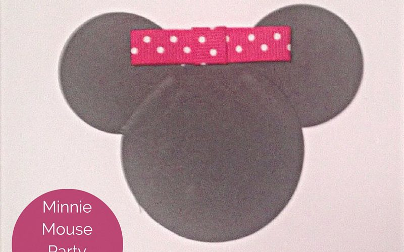 Minnie Mouse Party Invitations Feature