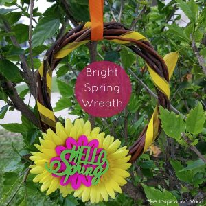 Bright Spring Wreath Feature