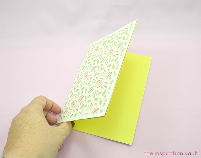 Lovely Daisy Cricut Birthday Card Step 14b