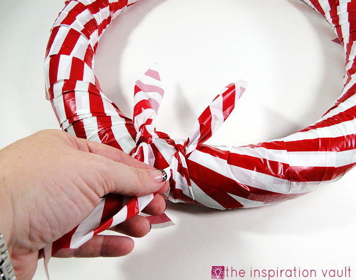 Candy Cane Wreath Step 10