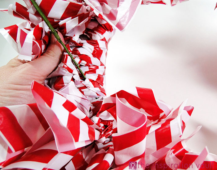 Candy Cane Wreath Step 13a