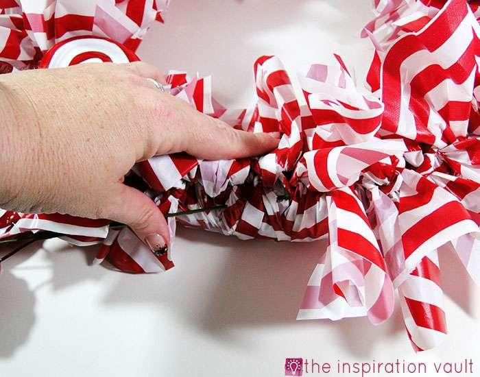 Candy Cane Wreath Step 13b