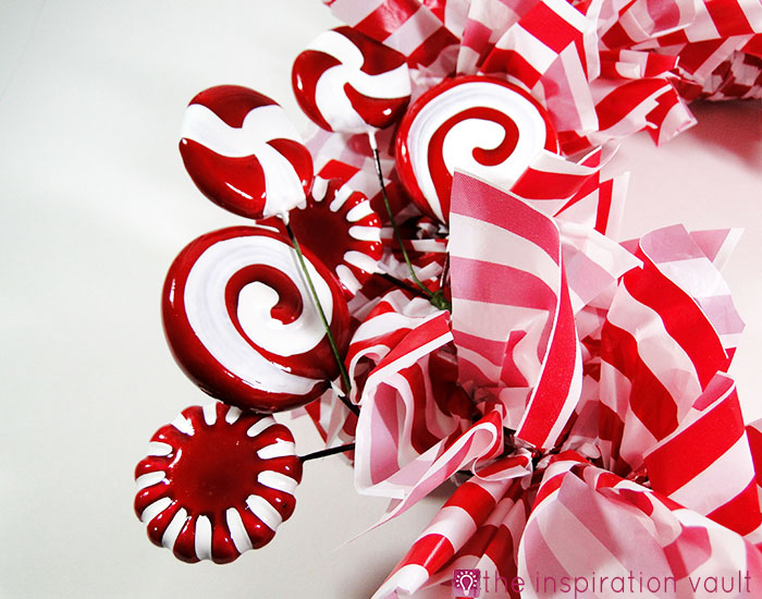 Candy Cane Wreath Step 13c