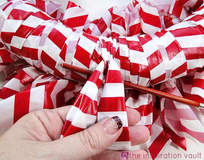 Candy Cane Wreath Step 14a