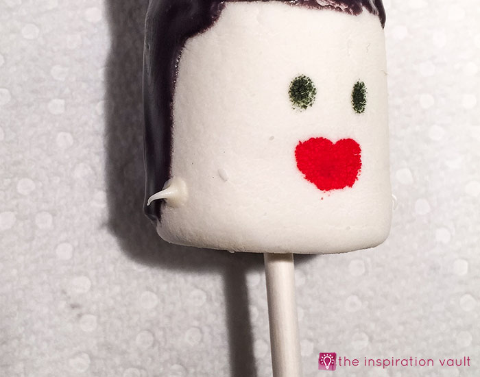 bride-of-frankenstein-marshmallow-pops-step-11