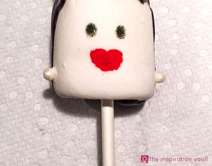 bride-of-frankenstein-marshmallow-pops-step-12