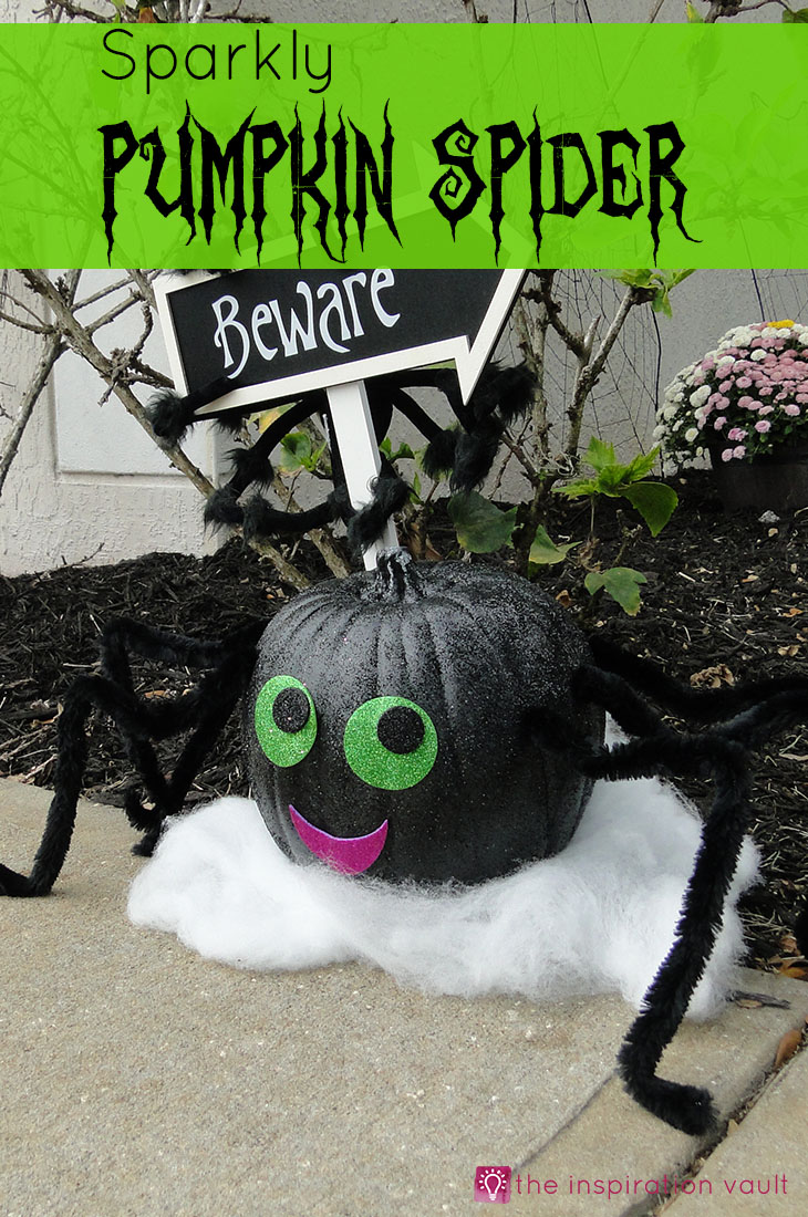 Sparkly Pumpkin Spider Halloween Craft Tutorial #halloweencraft #pumpkindecorating
