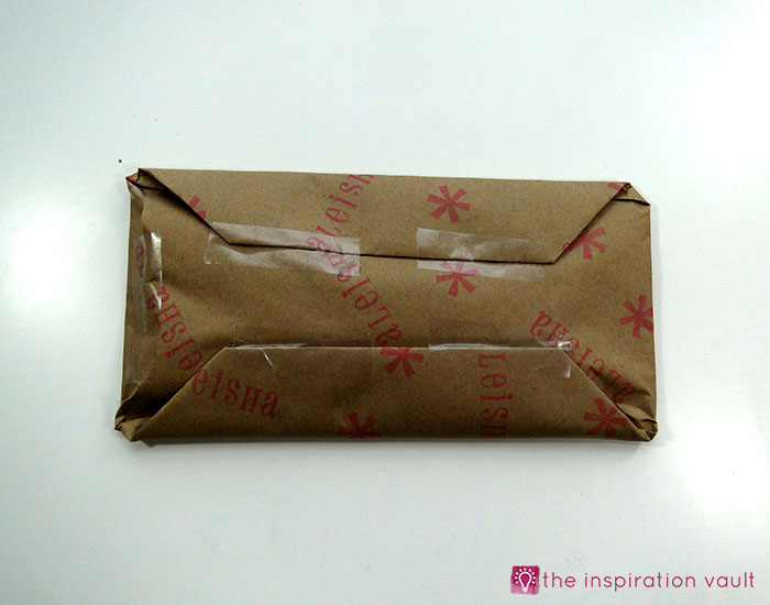 personalized-brown-paper-gift-wrap-step-5b