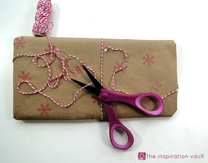 personalized-brown-paper-gift-wrap-step-6a