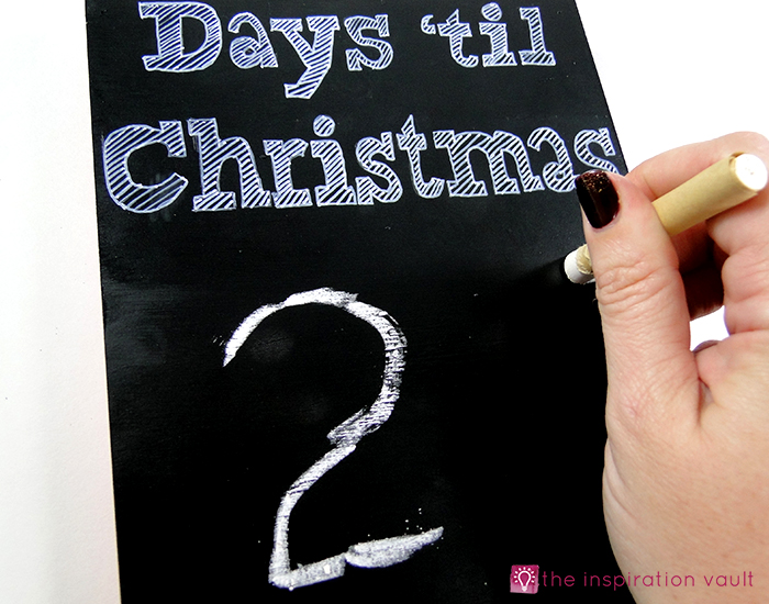 christmas-countdown-sandwich-board-step-4