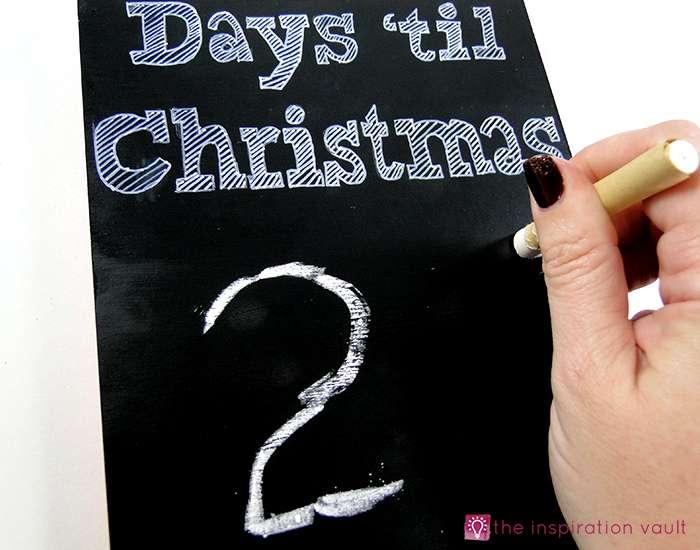 christmas-countdown-sandwich-board-step-4