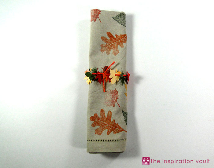 mini-fall-leaf-garland-napkin-rings-complete