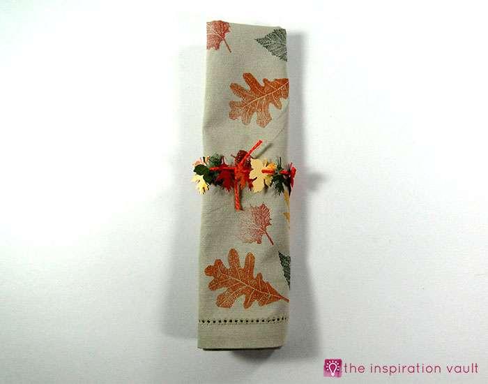 mini-fall-leaf-garland-napkin-rings-complete