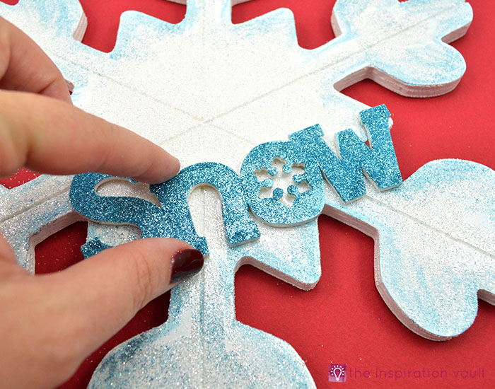 sparkly-snowflake-decor-step-11