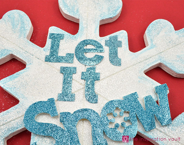 sparkly-snowflake-decor-step-12
