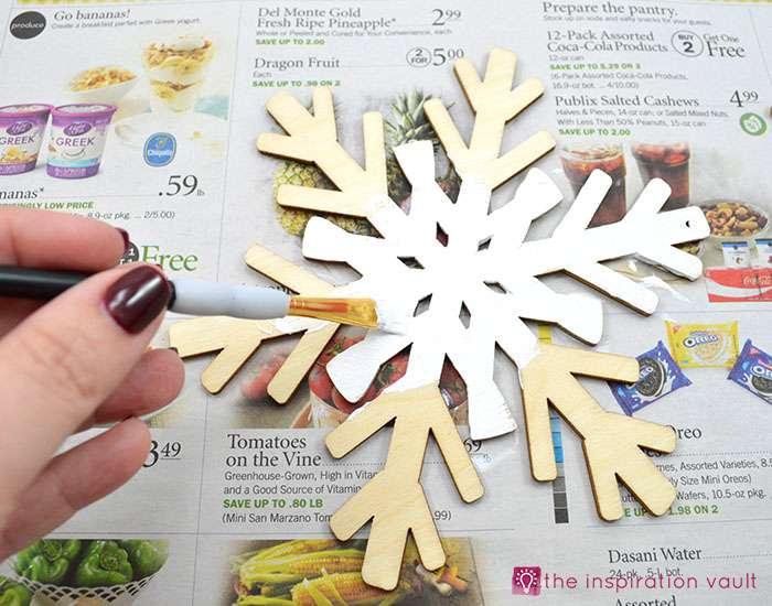 sparkly-snowflake-decor-step-2