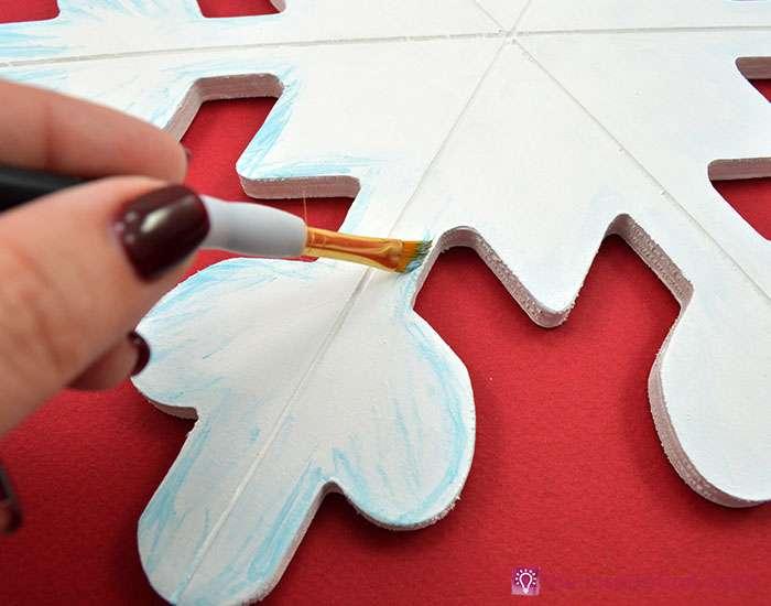 sparkly-snowflake-decor-step-5