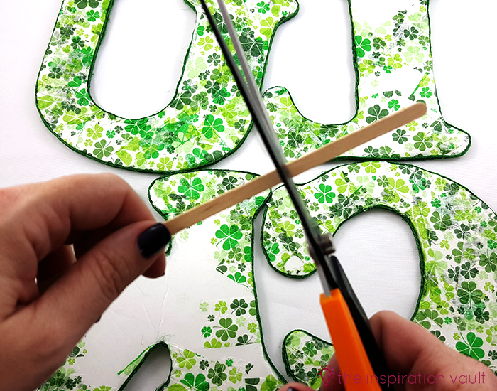 Luck Shamrock Decoration Step 11