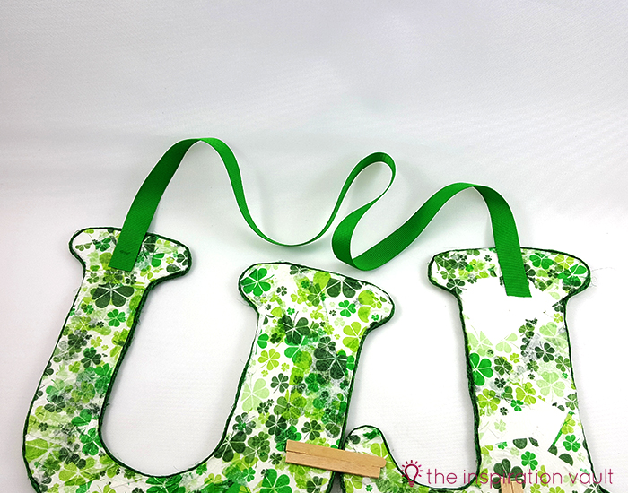 Luck Shamrock Decoration Step 13