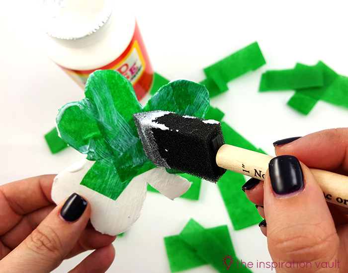 Luck Shamrock Decoration Step 6b