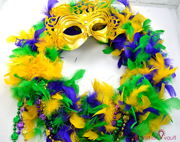 Easy & Thrifty Mardi Gras Wreath Complete