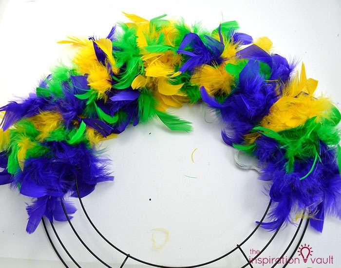Easy & Thrifty Mardi Gras Wreath Step 3a