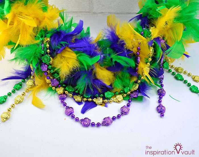 Easy & Thrifty Mardi Gras Wreath Step 5b