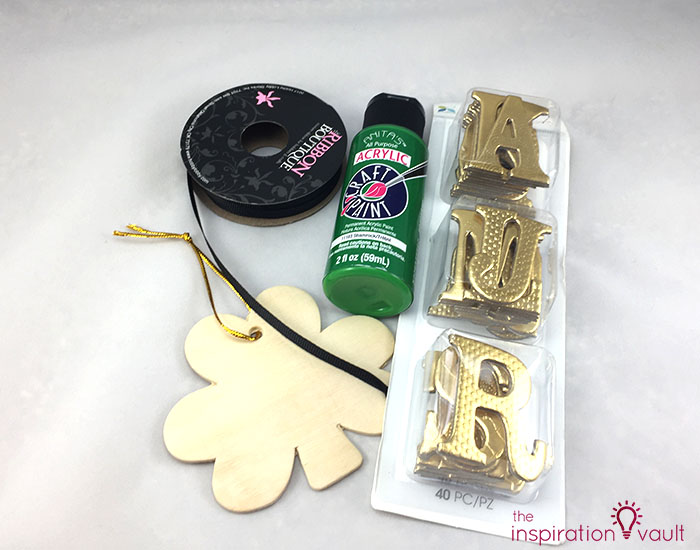 Quick & Festive Wood Shamrock Decor Materials
