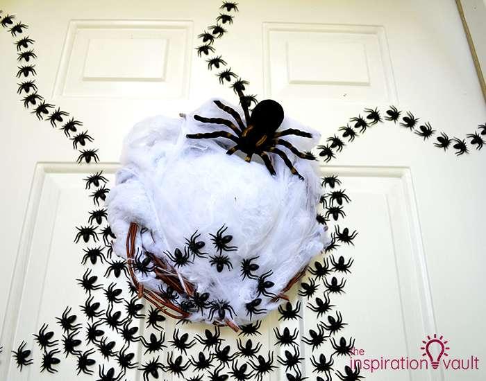 Ghastly Spider Egg Door Decoration Complete