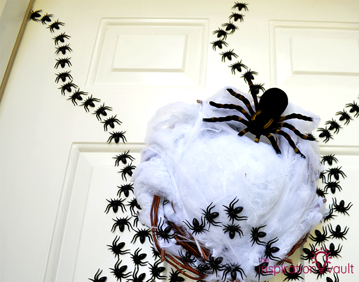 Ghastly Spider Egg Door Decoration Step 5b