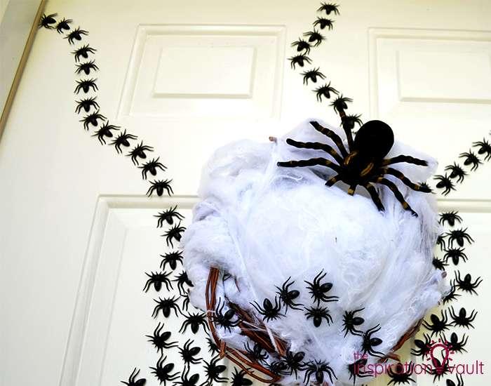 Ghastly Spider Egg Door Decoration Step 5b