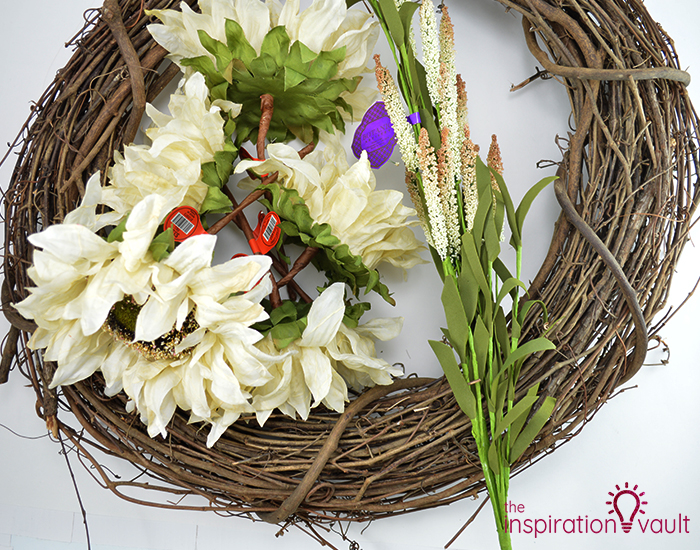 Easy Neutral Fall Wreath Materials