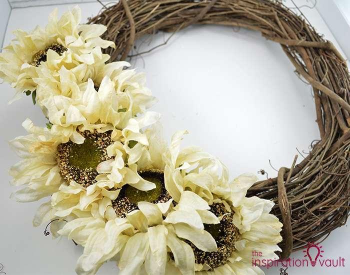 Easy Neutral Fall Wreath Step 2a