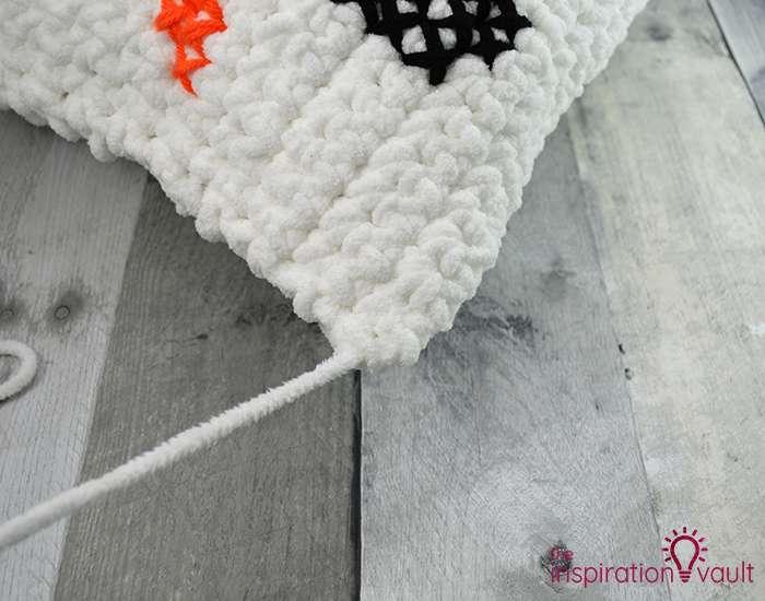 Crochet & Cross Stitch Snowman Pillow Step 12b