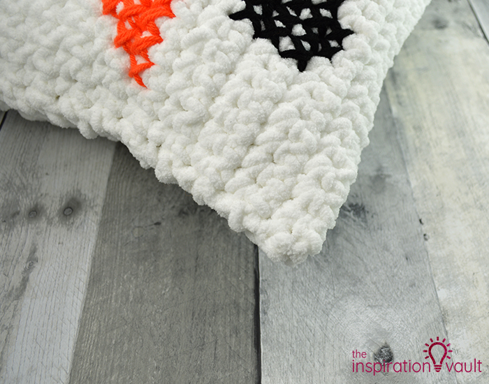 Crochet & Cross Stitch Snowman Pillow Step 12c