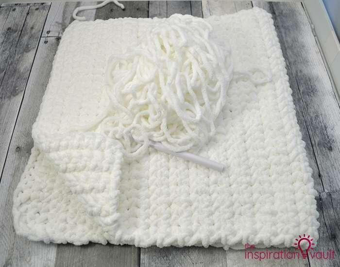 Crochet & Cross Stitch Snowman Pillow Step 3c