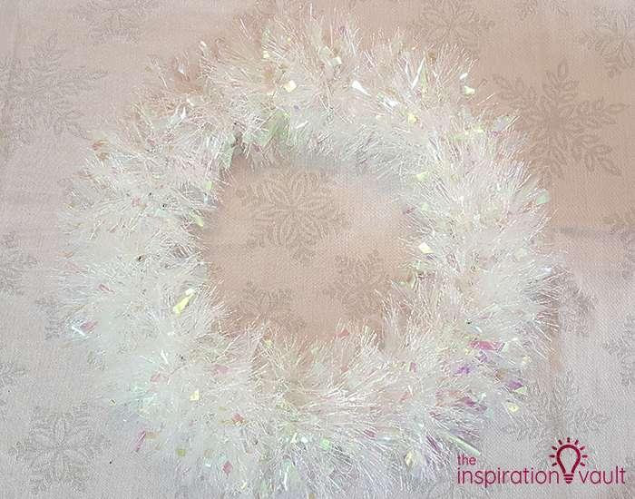 Winter Wonderland Snowflake and Tinsel Wreath Step 1b