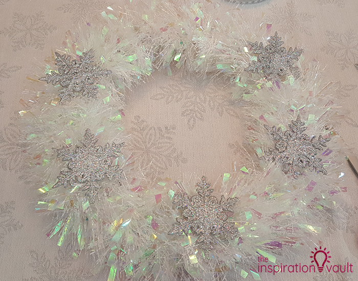 Winter Wonderland Snowflake and Tinsel Wreath Step 3