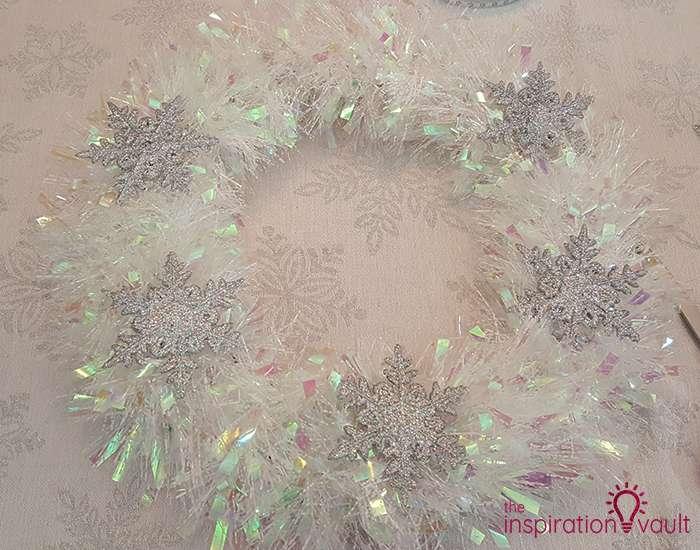 Winter Wonderland Snowflake and Tinsel Wreath Step 3