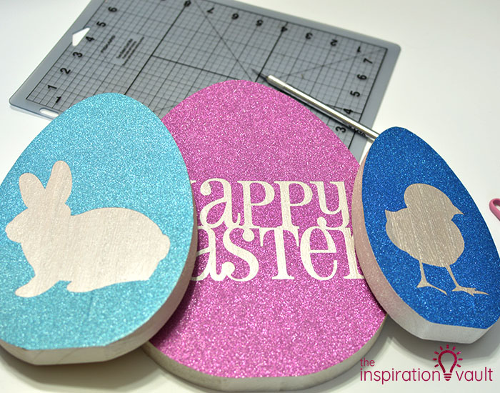 Decorate Wooden Eggs with Glitter Vinyl Step 9c