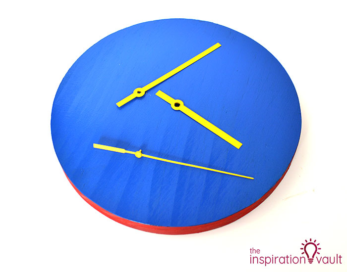 DIY Wonder Woman Superhero Clock Step 5b
