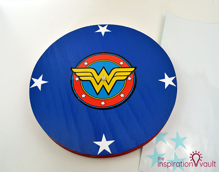 DIY Wonder Woman Superhero Clock Step 9a