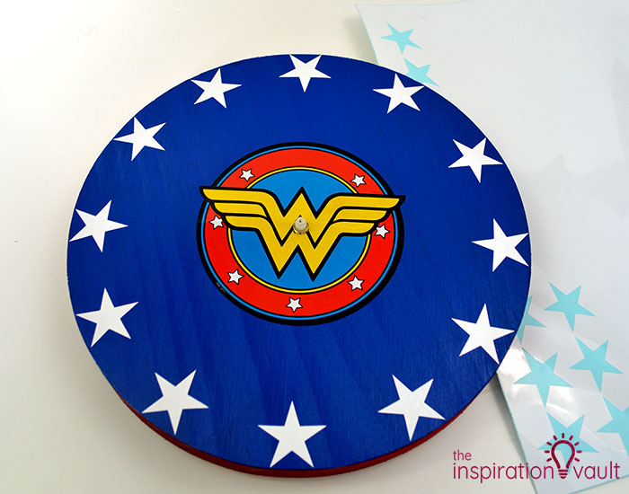 DIY Wonder Woman Superhero Clock Step 9b