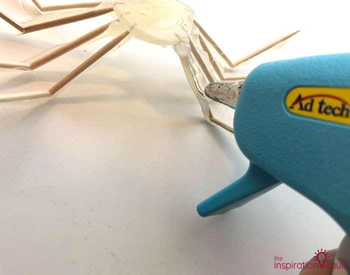 Hot Glue Spiders Step 5a