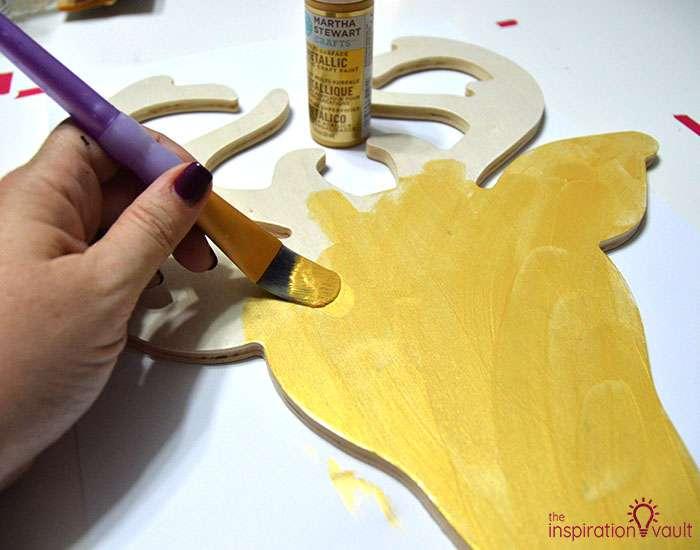 DIY Glittered Deer Head Wood Sign Step 4a