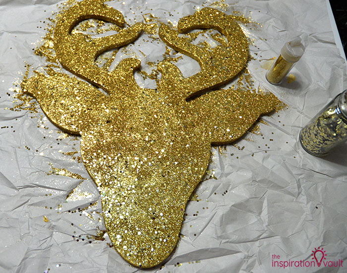 DIY Glittered Deer Head Wood Sign Step 5e