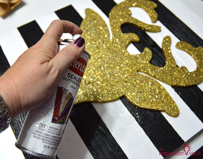 DIY Glittered Deer Head Wood Sign Step 7